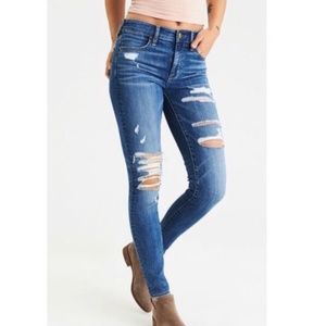 American Eagle High-rise Distressed Jegging